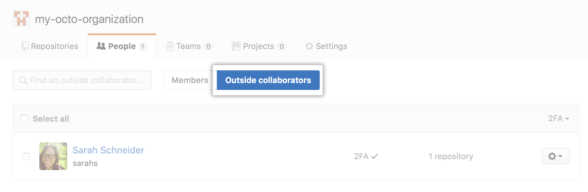 Button to invite members or outside collaborators to an organization